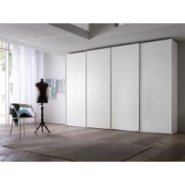 Garderobekast in wit met vier schuifdeuren