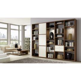 Wandkast op maat in houtfineer en witte deuren