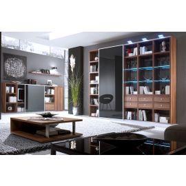 Wandkast op maat in houtfineer met hoogglans schuifpanelen en verlichting